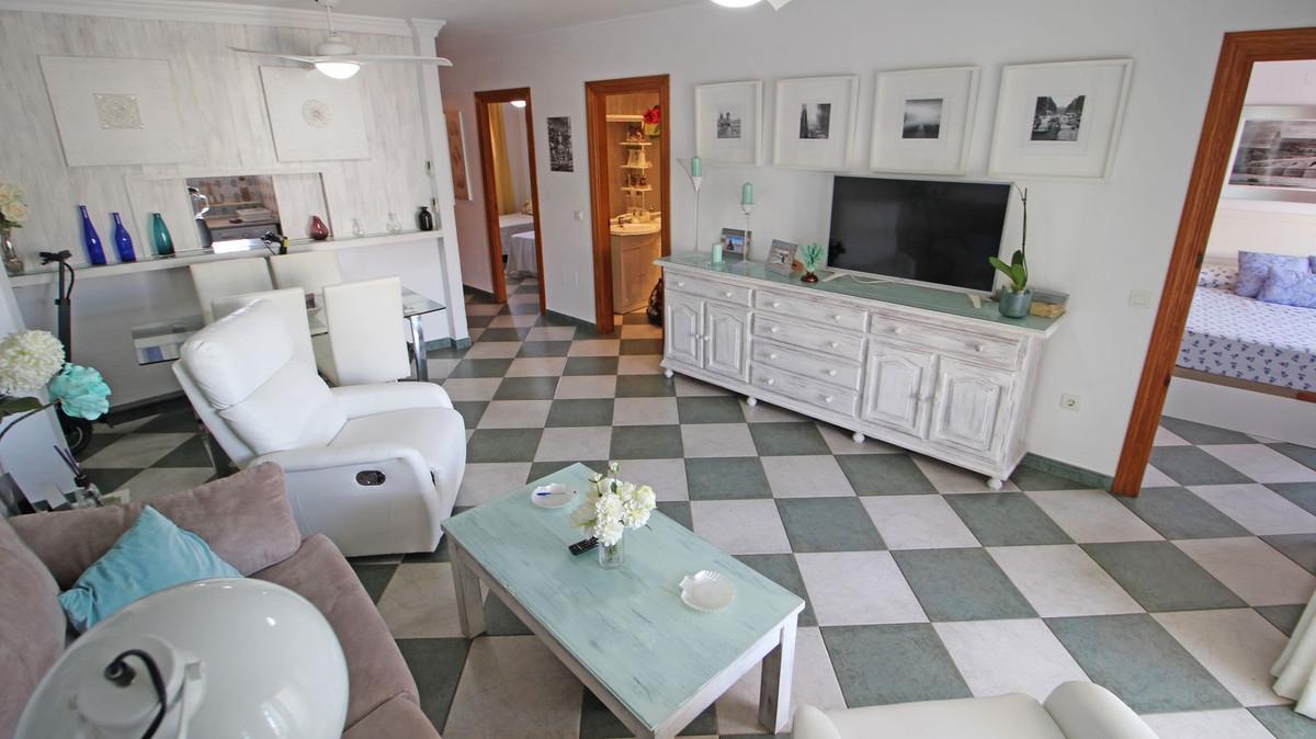 Apartamento Planta Media en Venta en Marbella – R3370762