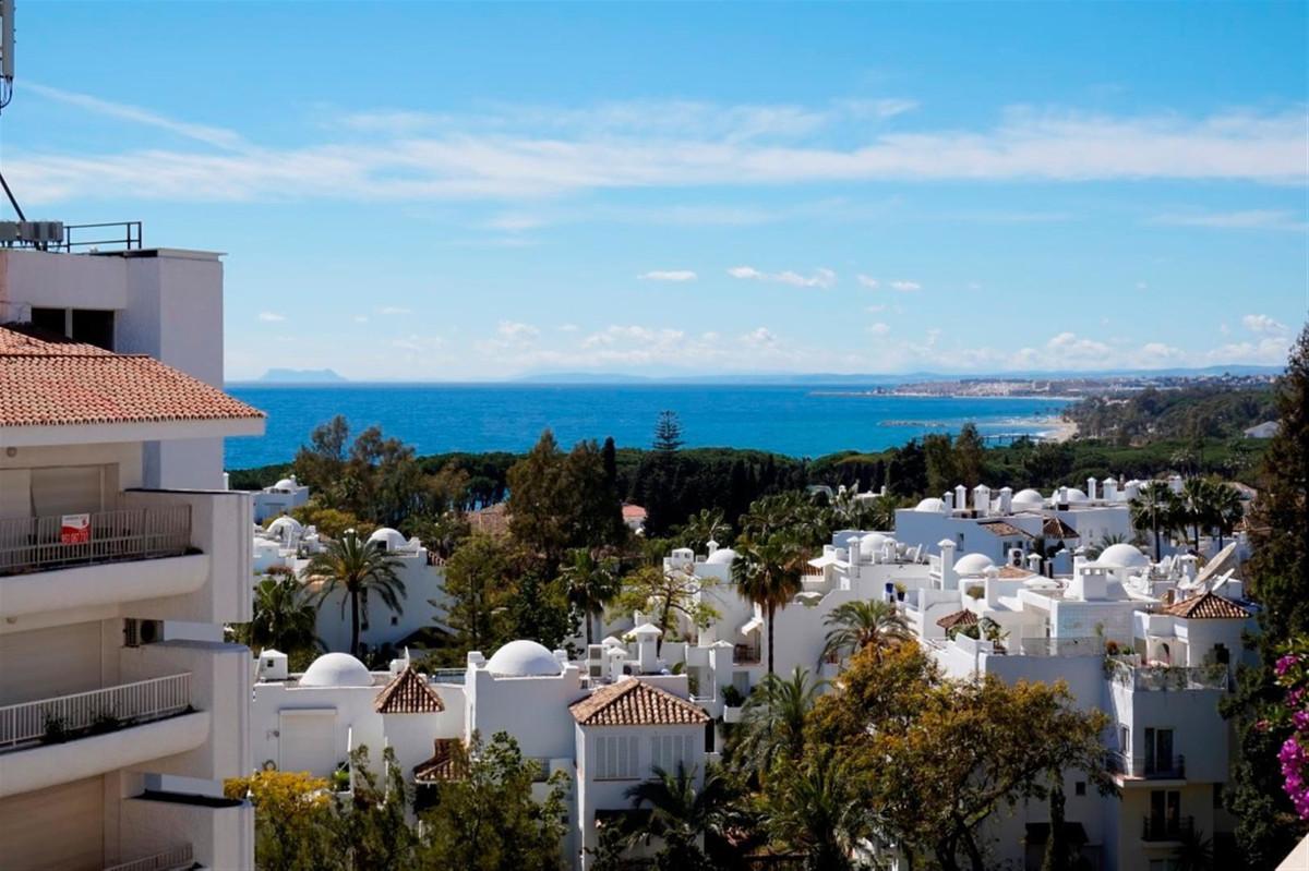 Marbella Banus Apartamento Planta Media en Venta en Marbella – R3385330