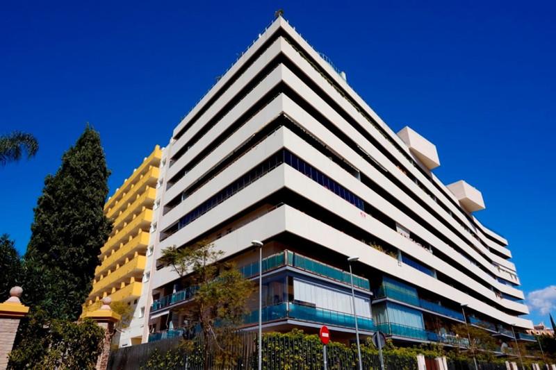 Marbella Banus Apartamento Planta Media en venta en Marbella – R3385042