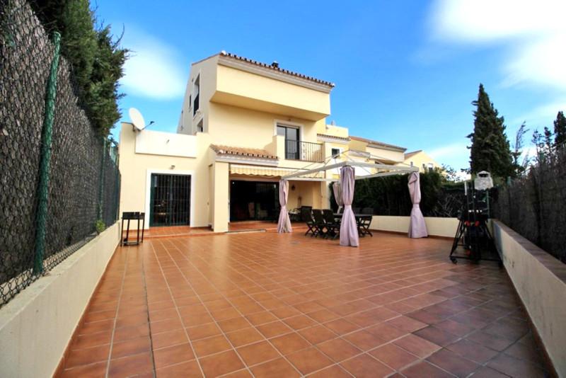 Marbella Banus Adosada en venta en Marbella – R3378412