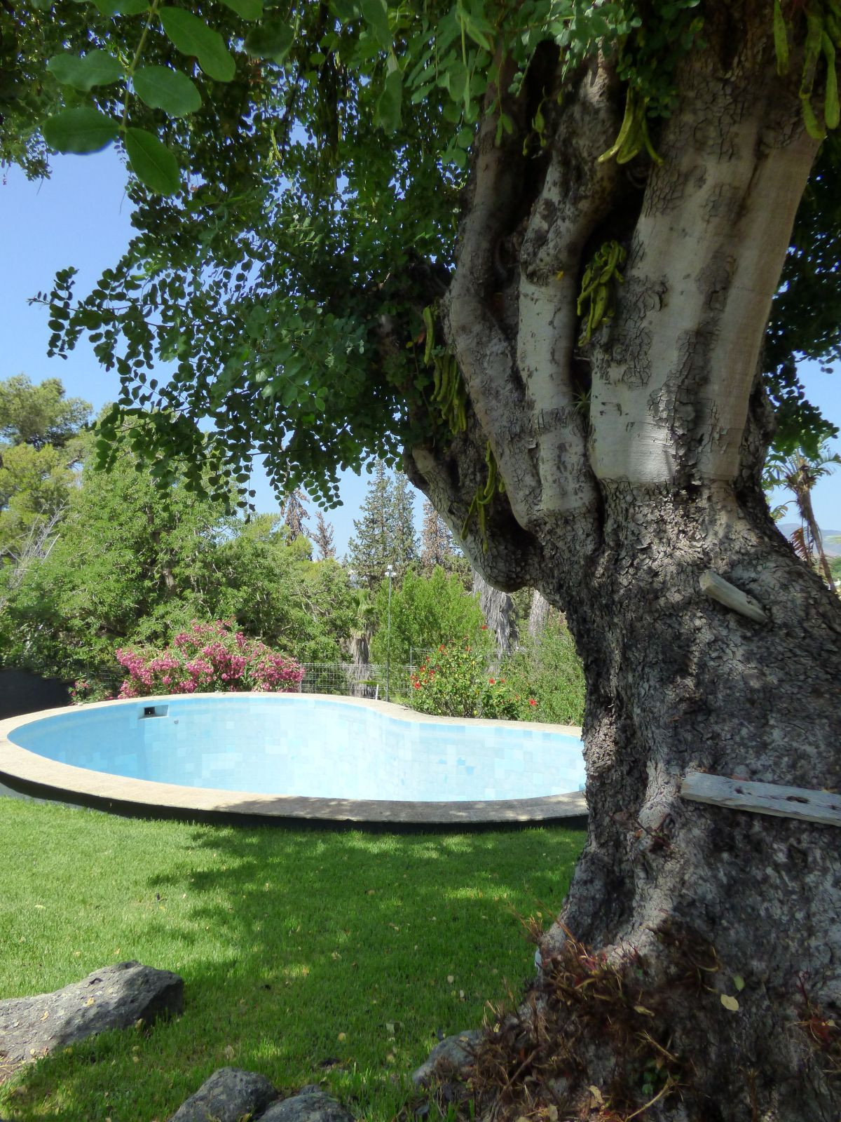 GREAT VILLA SITUATED ON THE TOP OF A HILL WITH GREAT PANORAMIC VIEWS, ACCESS BY GATE AND ROUNDABOUT ,Spain
