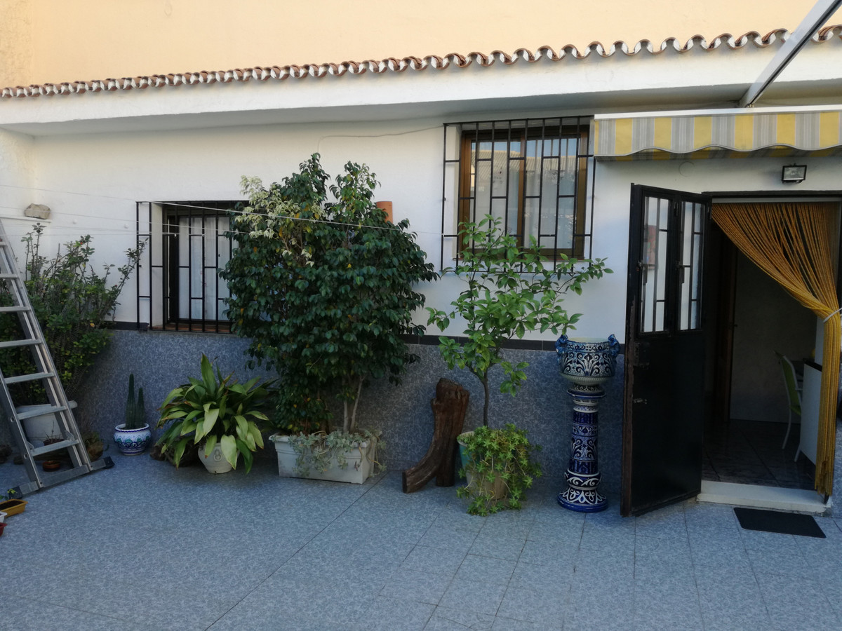 TOWNHOUSE SITUATED IN THE CENTER OF PUERTO DE LA TORRE NEAR ALL SHOPS, RESTAURANTS, HEALTH CENTER AN,Spain