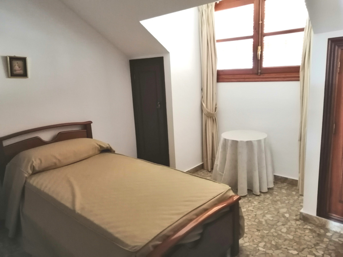 House in Fuengirola R3713543 14
