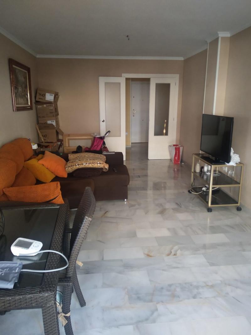 Marbella Banus Apartamento Planta Media a la venta, Málaga Centro – R3597107