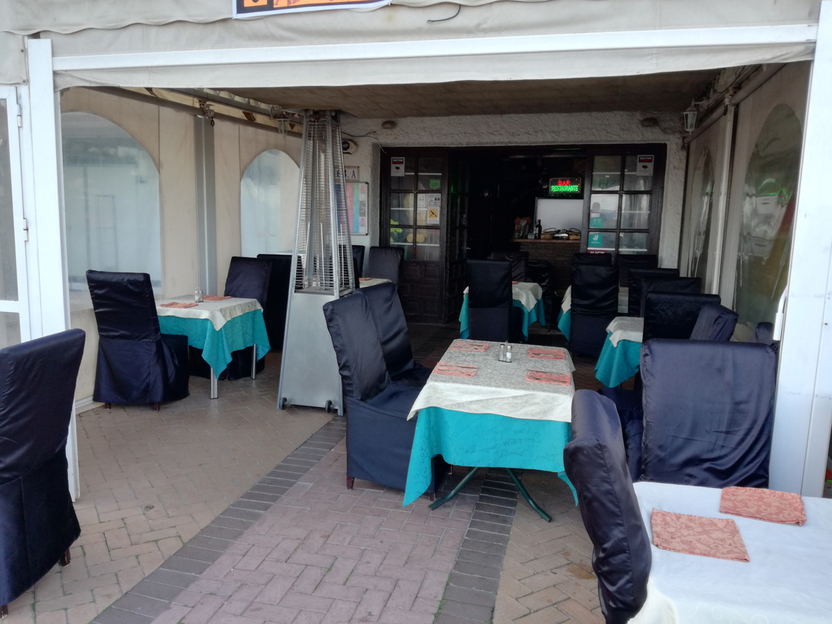 PRETTY LOCAL SITUATED IN THE FIRST LINE OF FUENGIROLA BEACH, PERFECT TO SET UP A RESTORATION BUSINES, Spain