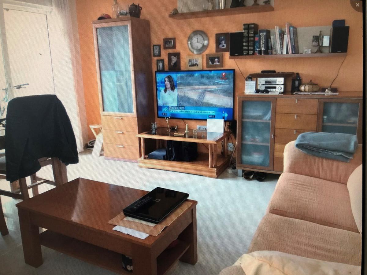 Lägenhet på mellanplan Till salu i Los Pacos R3701147