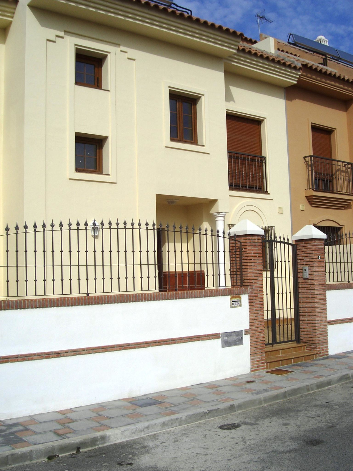 4 bedroom townhouse for sale los pacos