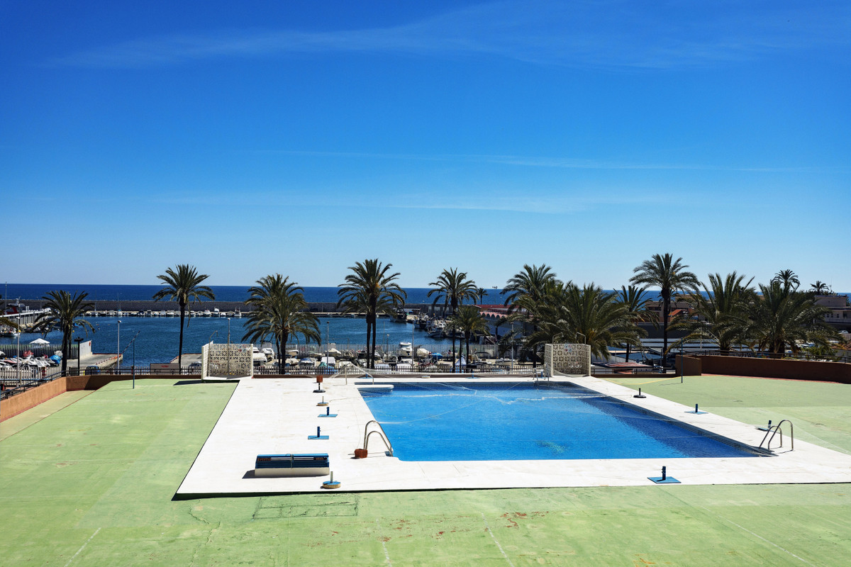 APARTMENT FOR RENT IN TOWER II OF THE PALM TREES.  1 INDEPENDENT ROOM, AMERICAN KITCHEN, LIVING ROOM,Spain