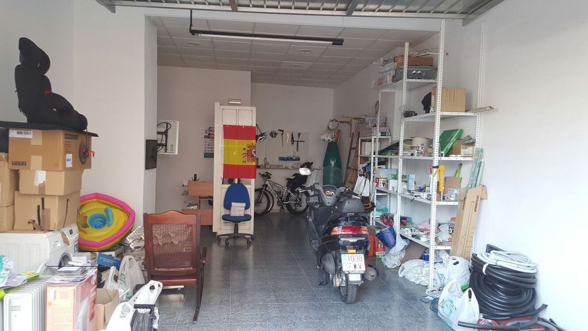 Great location in the Centre of Fuengirola - 47 SQM. Housing can be made. In perfect condition., Spain