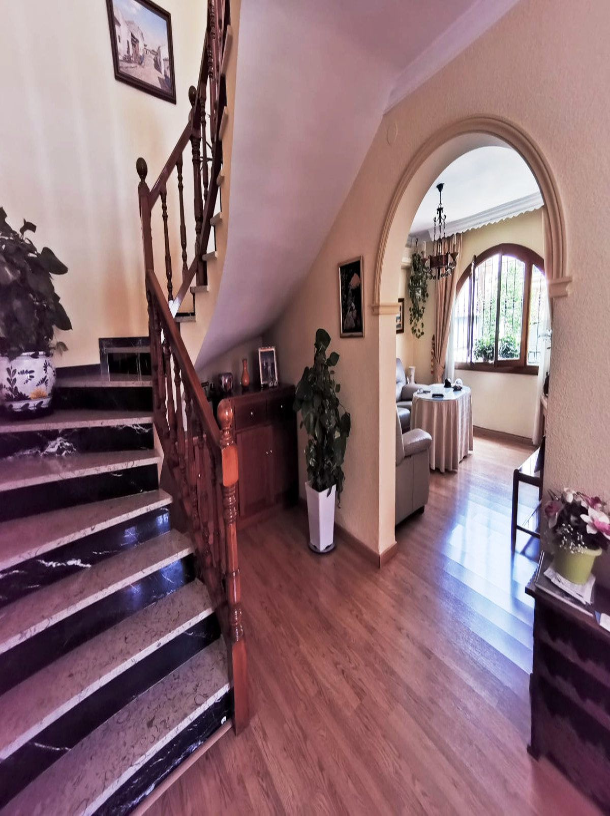 Villa con 4 Dormitorios en Venta Los Pacos