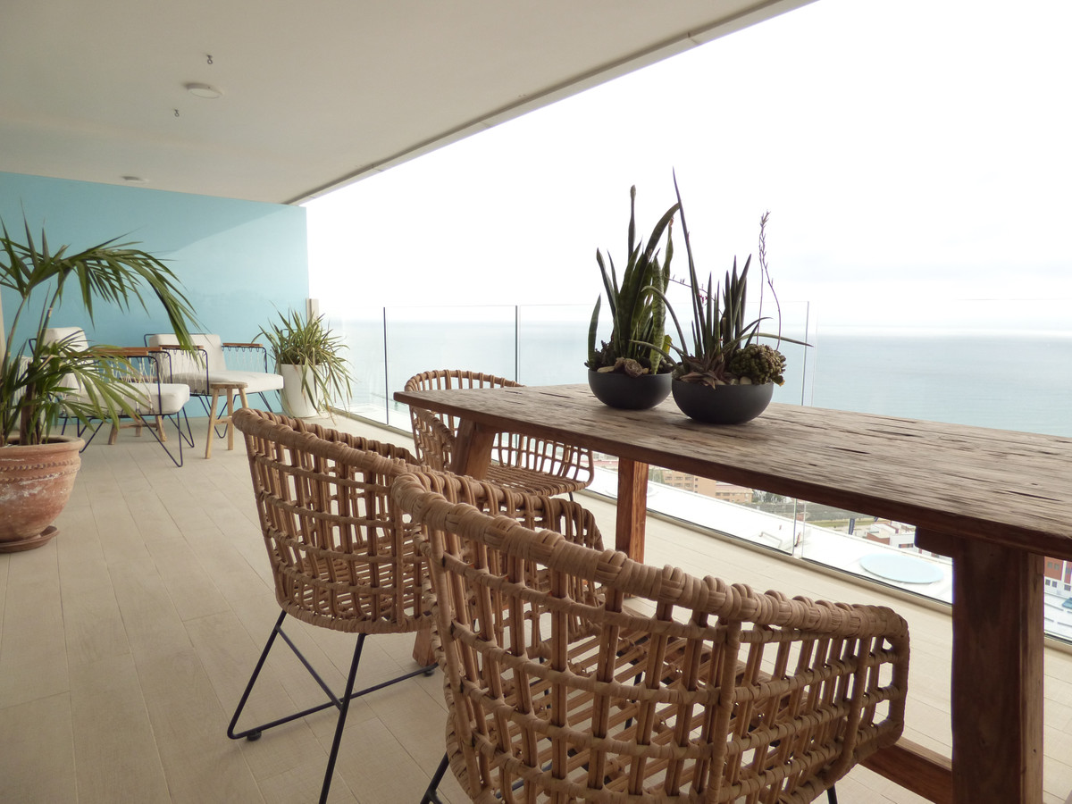 MAGNIFICENT AND LUXURY APARTMENT with three double bedrooms, two bathrooms and a terrace of more tha, Spain