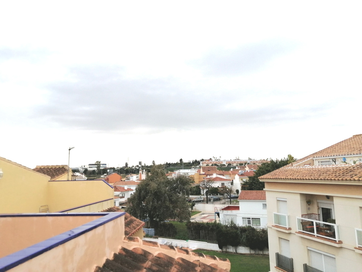 BEAUTIFUL FAMILY HOUSE IN LOS PACOS AREA ONLY 10 MINUTES FROM FUENGIROLA CENTRO. IT CONSISTS OF TWO ,Spain