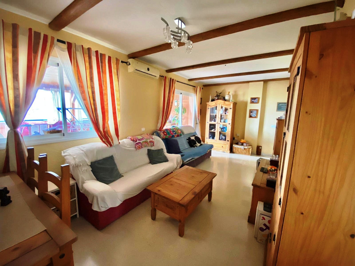 IF YOU HAVE ALWAYS DREAMED TO LIVE IN AN ATTIC IN A VERY QUIET RESIDENTIAL AREA - DO NOT MISS THE OP,Spain