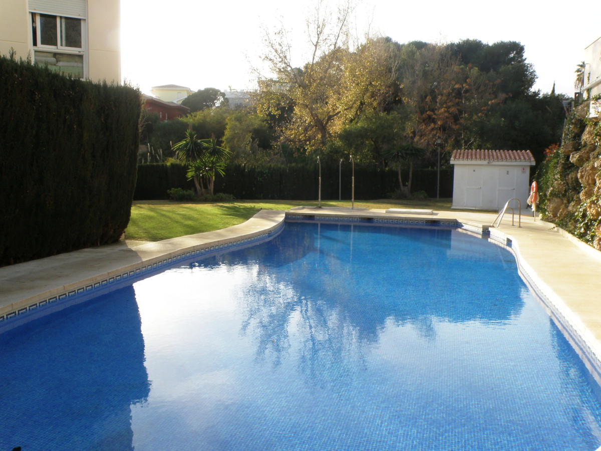 THIS HOUSE IS LOCATED ON THE SECOND LINE OF THE BEACH. THIS WONDERFUL TOWNHOUSE IS NEAR COMMERCIAL A,Spain
