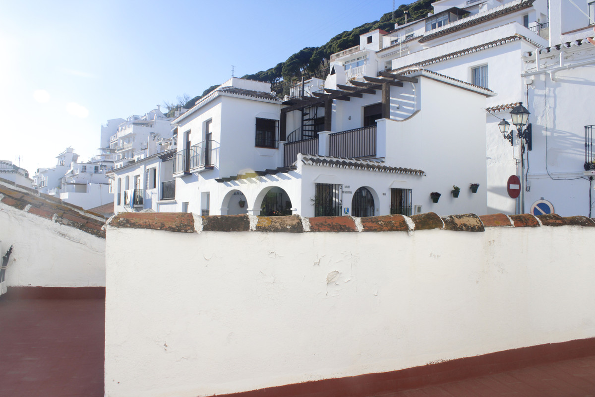 TIPICA HOUSE ANDALUZA IN THE HEART OF MIJAS PUEBLO, WITH VIEWS TO THE SEA AND THE MOUNTAIN CONSISTS ,Spain