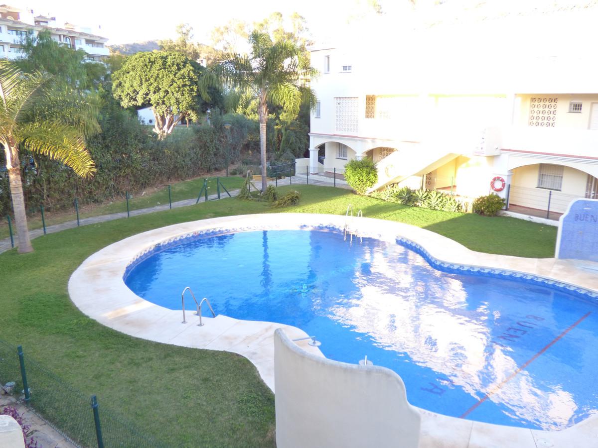 Marbella Banus Adosado en Venta en Calahonda – R3550552