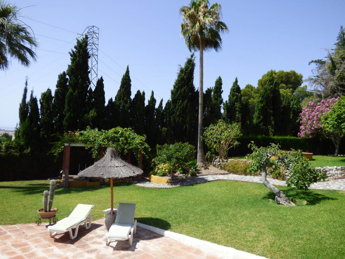 5 bedroom villa for sale mijas