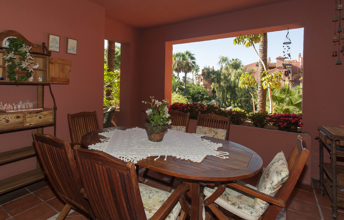 ALICATE PLAYA, MARBELLA apartment with 3 bedrooms and 2 bathrooms (one of them in-suite). All rooms ,Spain
