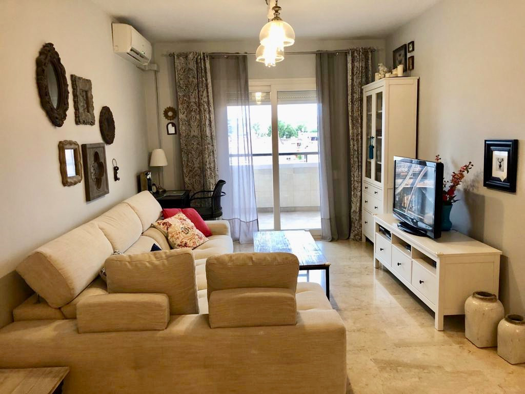 Fantastic apartment in Las Lagunas, is in perfect condition, remodeled kitchen, bathrooms, Windows w,Spain