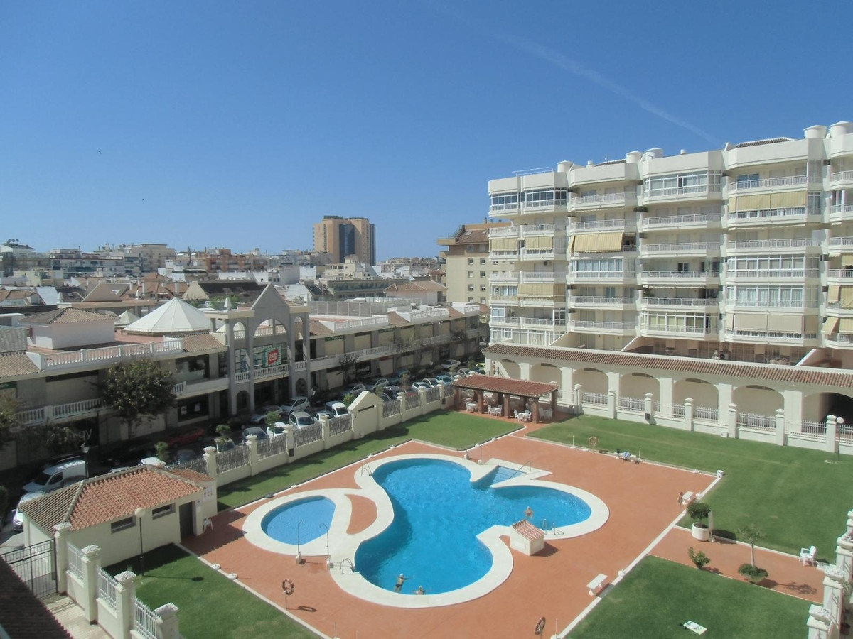 Housing located in the wonderful urbanization Detelina in the center of Los Boliches, unbeatable loc,Spain