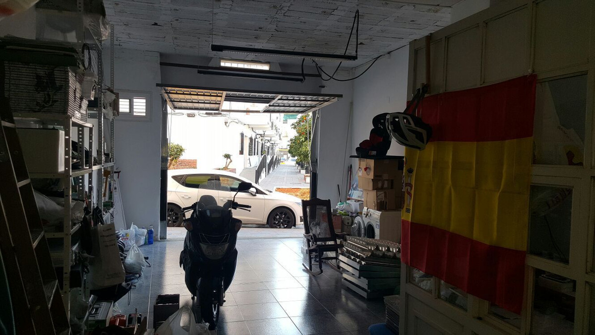 Great location in the Centre of Fuengirola - 47 SQM. Housing can be made. In perfect condition.,Spain