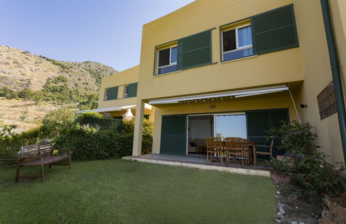 ATACHED TOWNHOUSE IN URBANIZATION OF HIGUERON, HIGH ZONE, CONSISTS OF TWO FLOORS, IN THE LOW LARGE K,Spain