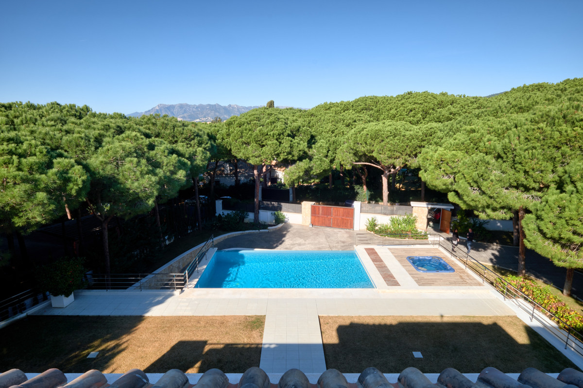 5 bedroom villa for sale las chapas