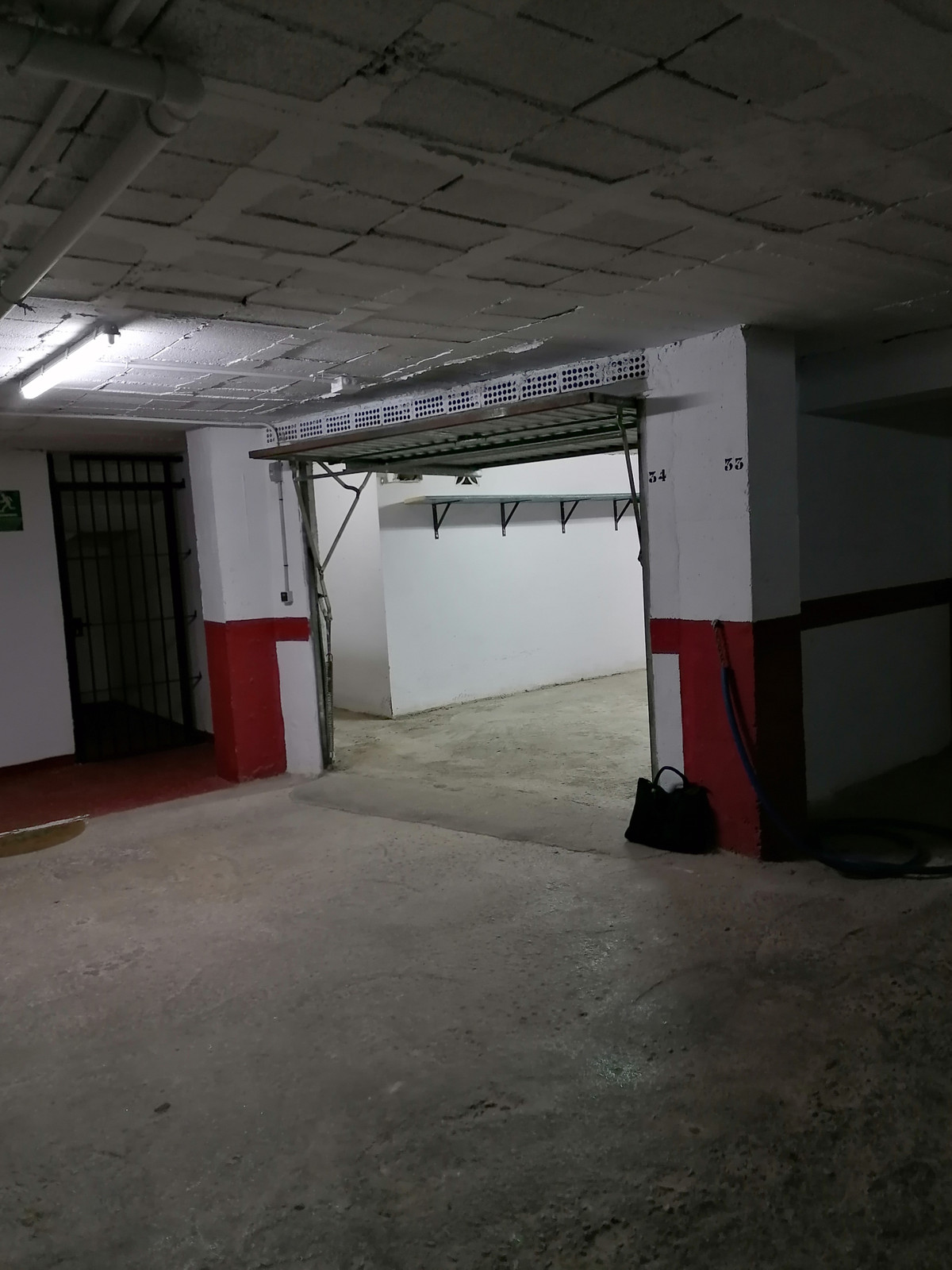PARKING FOR TWO VEHICLES ONLINE, CLOSED GARAGE BOX TYPE IN URBANIZATION GARAGE WITH LARGE ACCESS STR,Spain