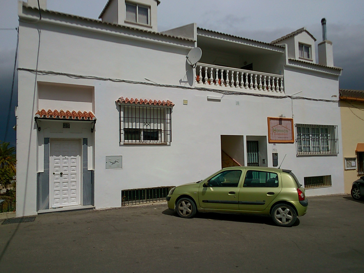 OFFICE IN COIN WITH POSSIBILITIES TO CONVERT IT IN A HOUSE. SOUTH ORIENTATION. AIRCON. NEAR OF ALL F, Spain