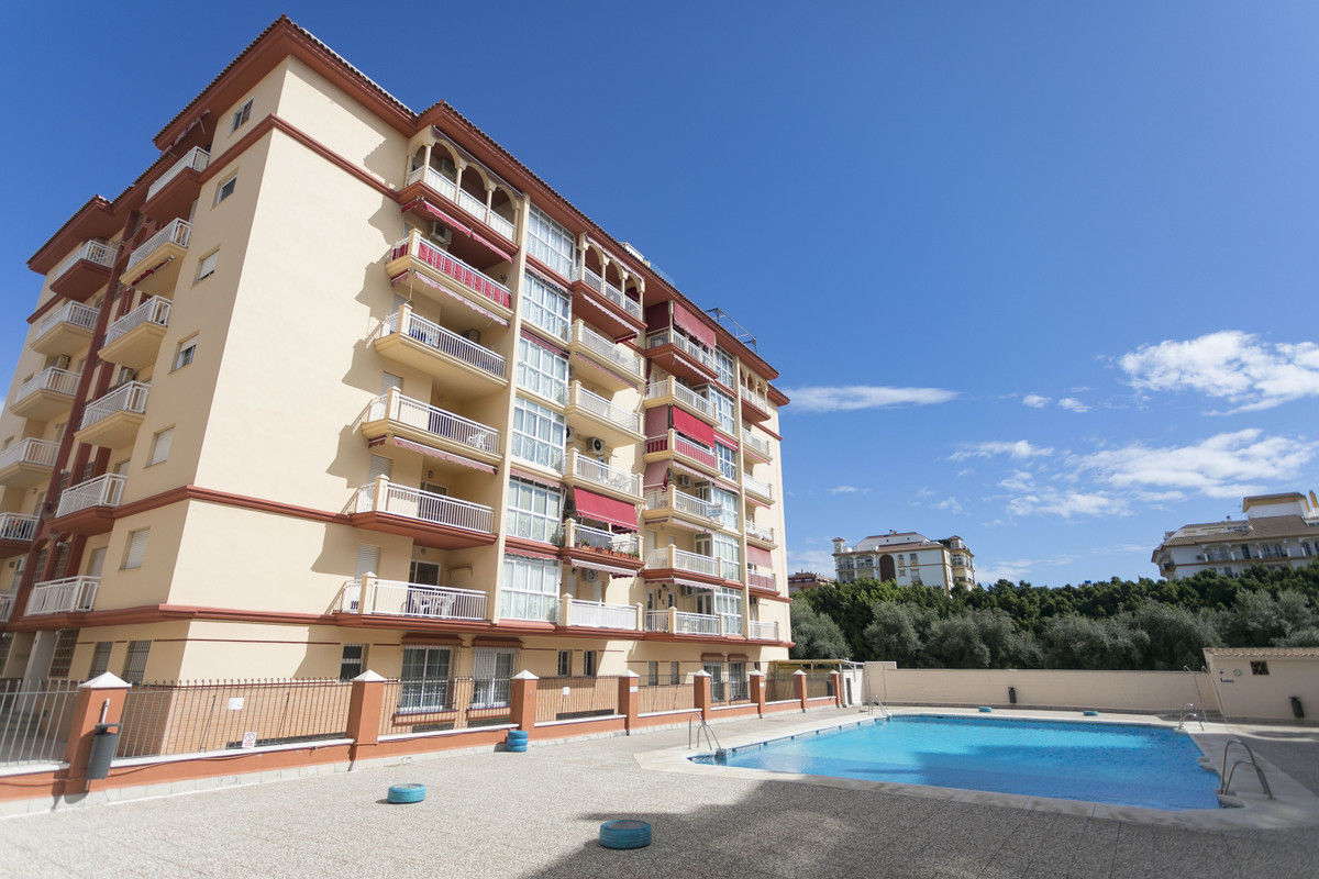 BEAUTIFUL APARTMENT DISTRIBUTED IN LOBBY, KITCHEN, WASHER, LIVING ROOM, HALL WHERE 3 BEDROOMS ARE, O, Spain