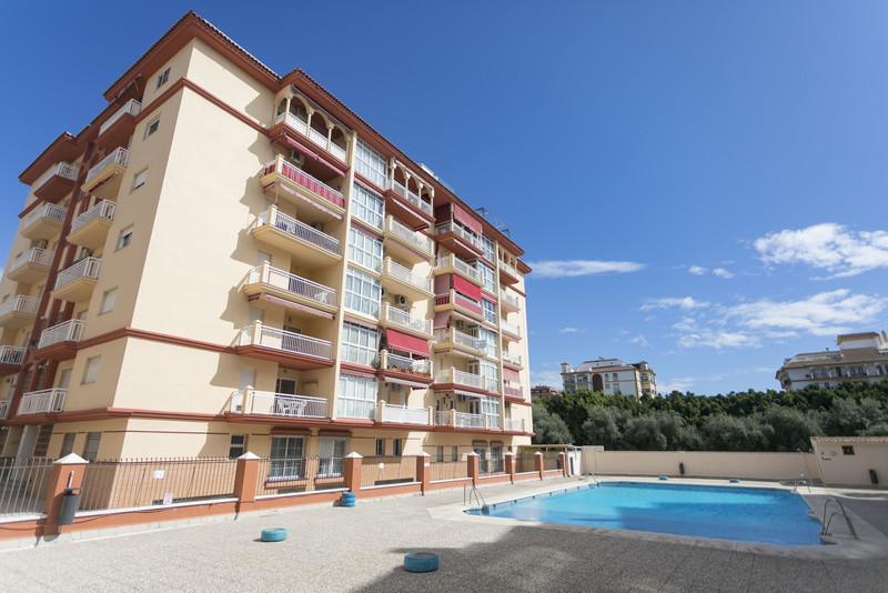 Marbella Banus Apartamento Planta Media en venta en Los Boliches – R3518554