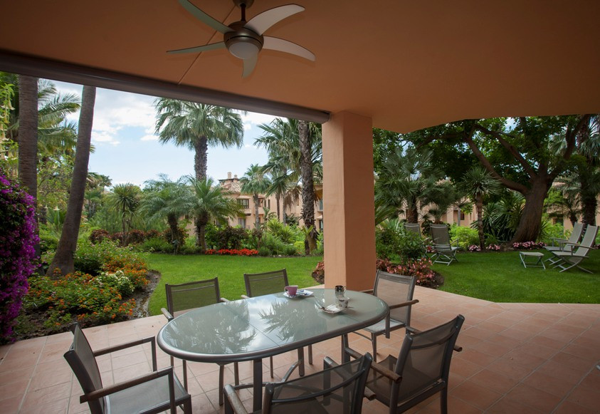 Fabulous apartment located in the luxurious Mansion Club complex in Marbella. Enclosed space with 24,Spain
