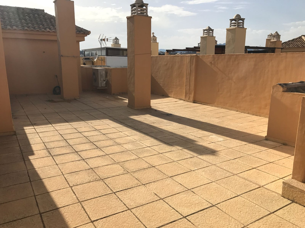BEAUTIFUL AND LUMINOUS PENTHOUSE LOCATED IN A GREAT URBANIZATION OF THE PACOS. IT HAS TWO BEDROOMS A,Spain