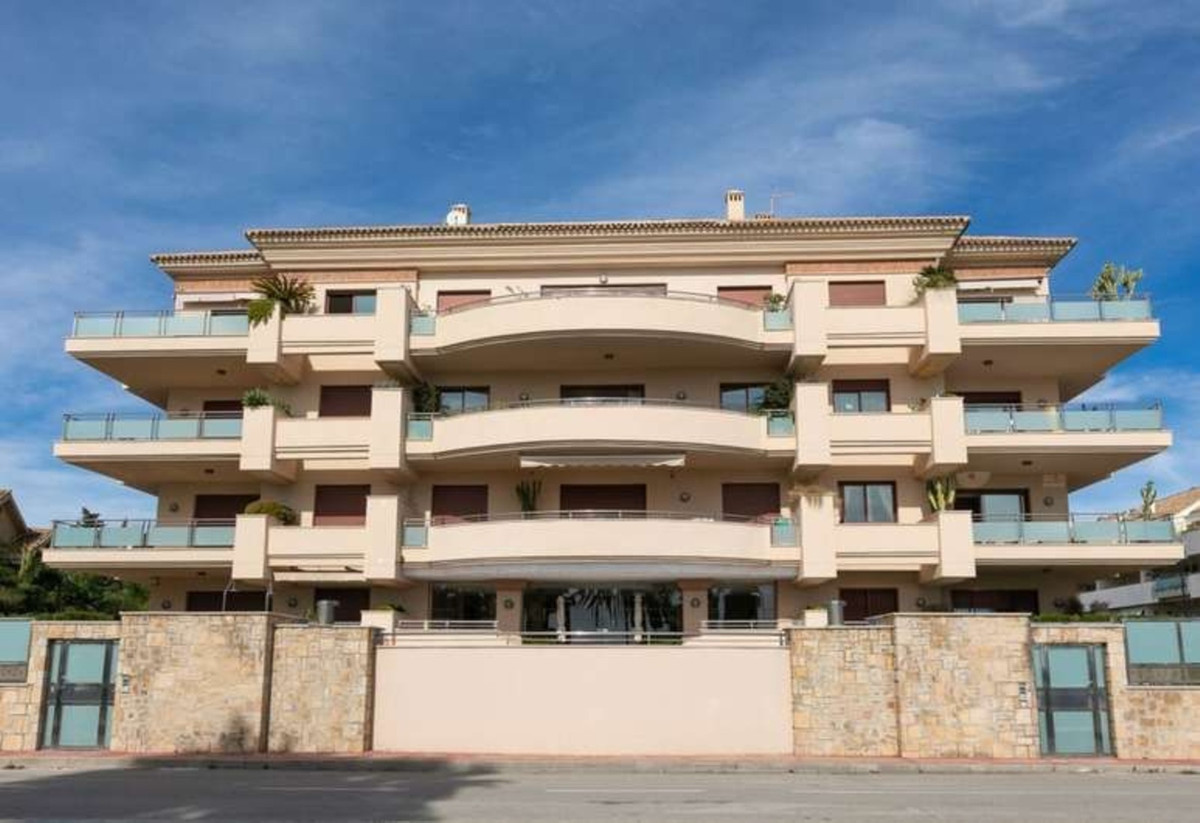 2 Bedroom Ground Floor Apartment For Sale San Pedro de Alcántara
