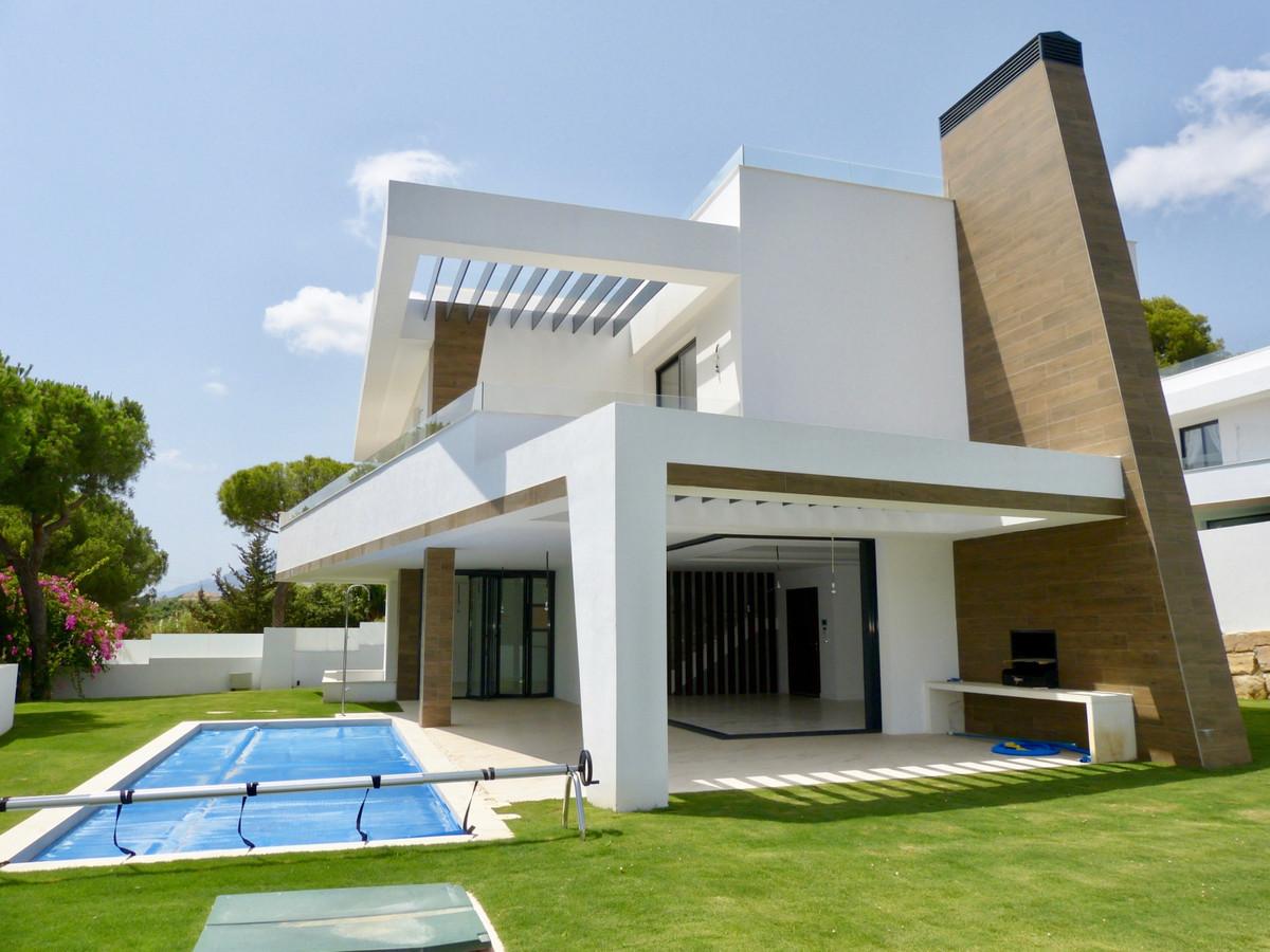 Villa - Chalet en venta en Elviria R3887077