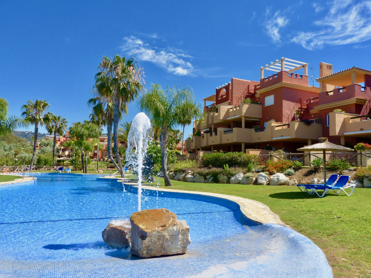 REDUCED FROM 220.000€! - Superb 2 bedroom/2 bathroom, south-west facing penthouse with fantastic sea,Spain