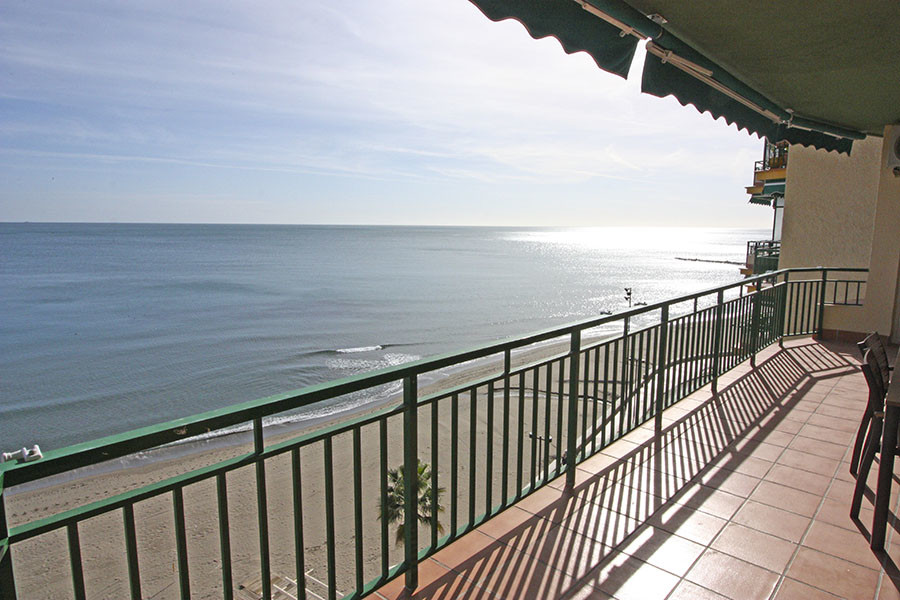 Apartment in front of the beach! located in the area of Carvajal (Fuengirola). A quiet area, PANORAM, Spain