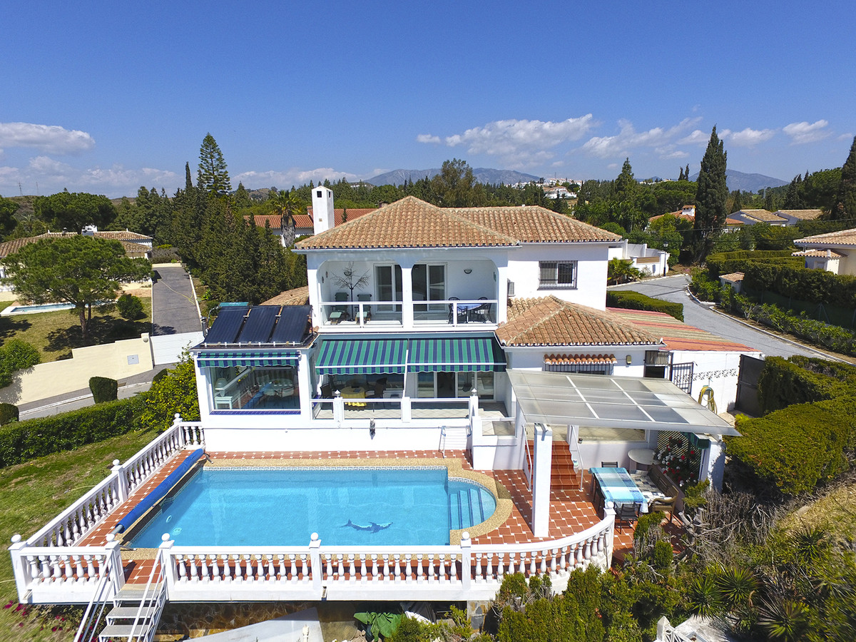 Bright villa in El Chaparral  This three bedroom villa is located at the perfect spot. Just 25 minut, Spain