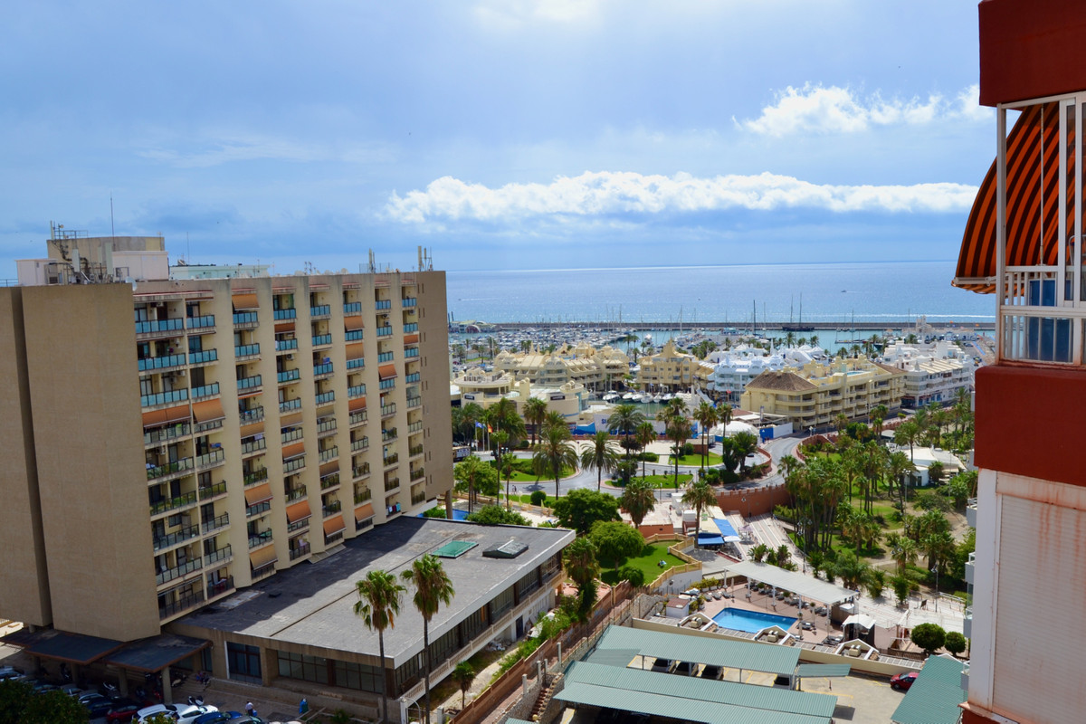 Middle Floor Apartment, Benalmadena Costa, Costa del Sol. 1 Bedroom, 1 Bathroom, Built 63 m², Terrac, Spain