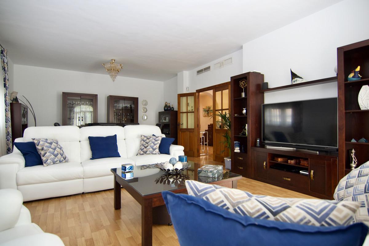 House in Alhaurín de la Torre R3937687 10