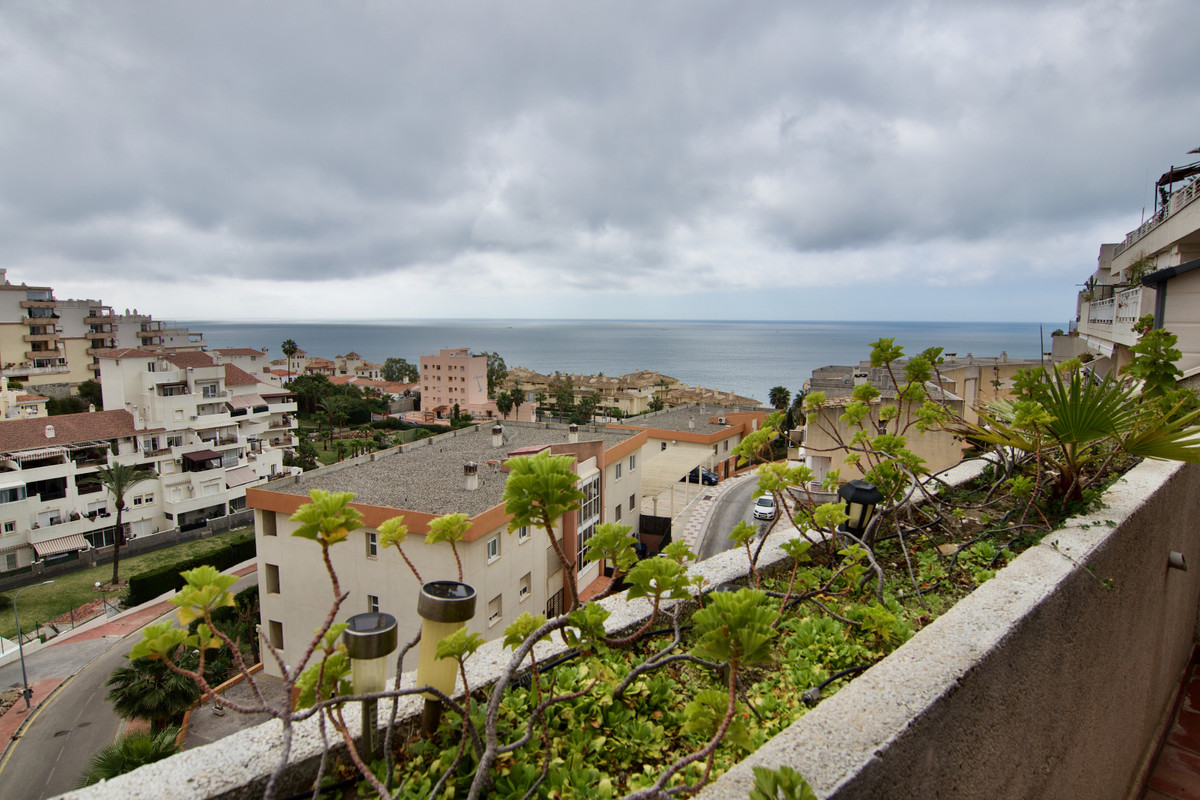 Penthouse with spectacular sea views, very bright with a solarium of 90mts2 and terrace with 10mts2.,Spain