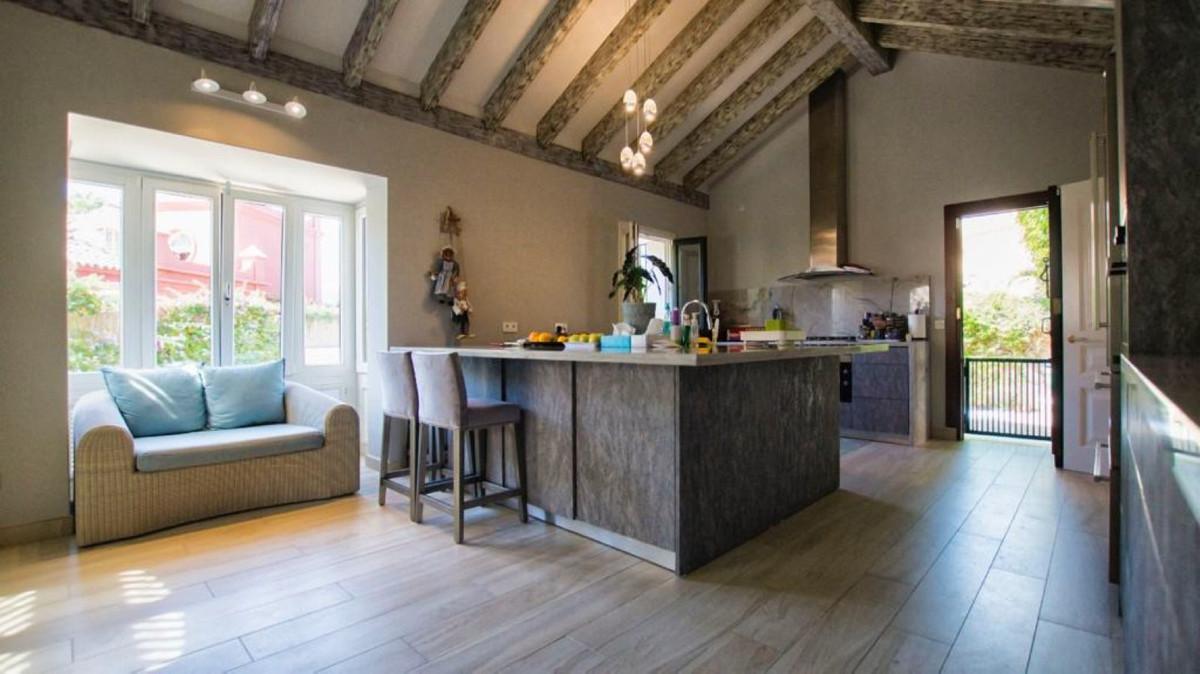 Villa – Chalet en Venta en Guadalmina Baja – R3501547