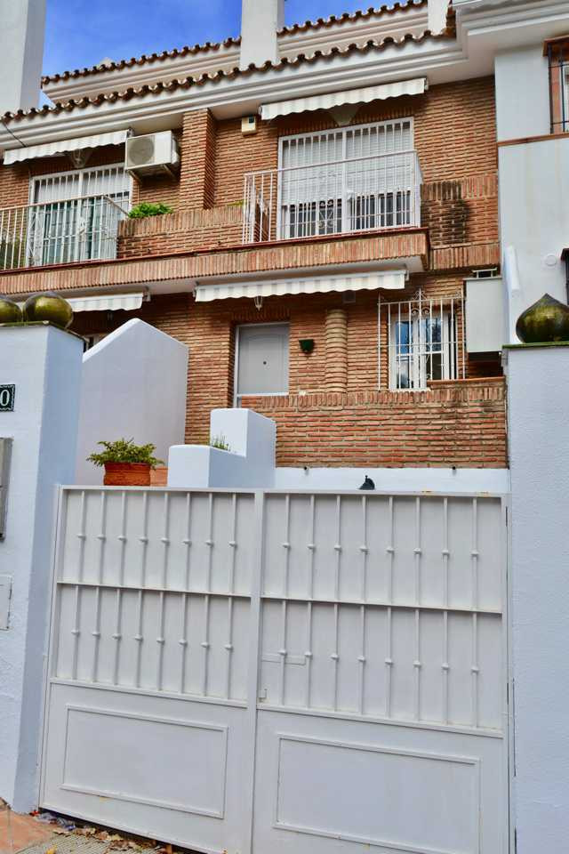 Townhouse, Alhaurin de la Torre, Costa del Sol. 3 Bedrooms, 2 Bathrooms, Built 225 m², Terrace 20 m² Spain