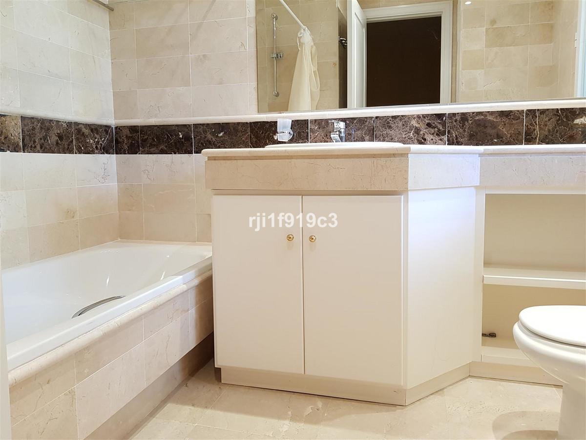 Apartamento en Venta en Elviria – R2956628