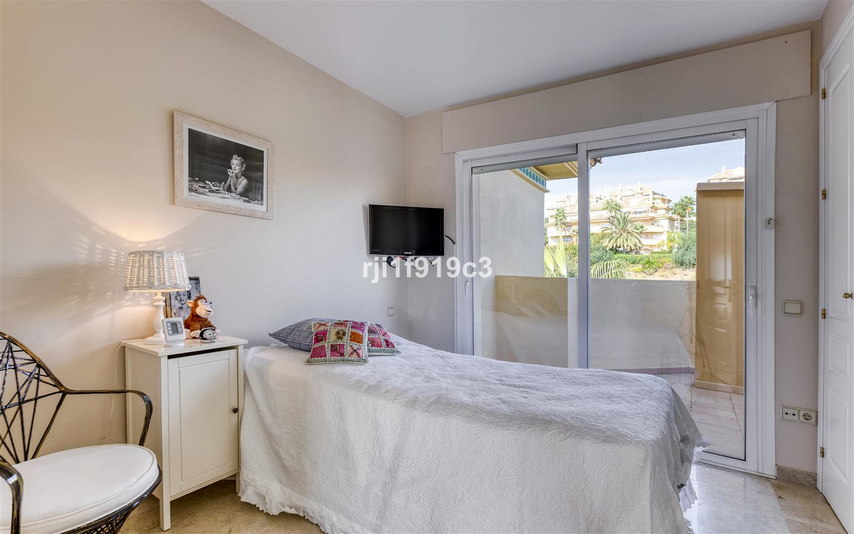 Apartment in Elviria R3437179 12