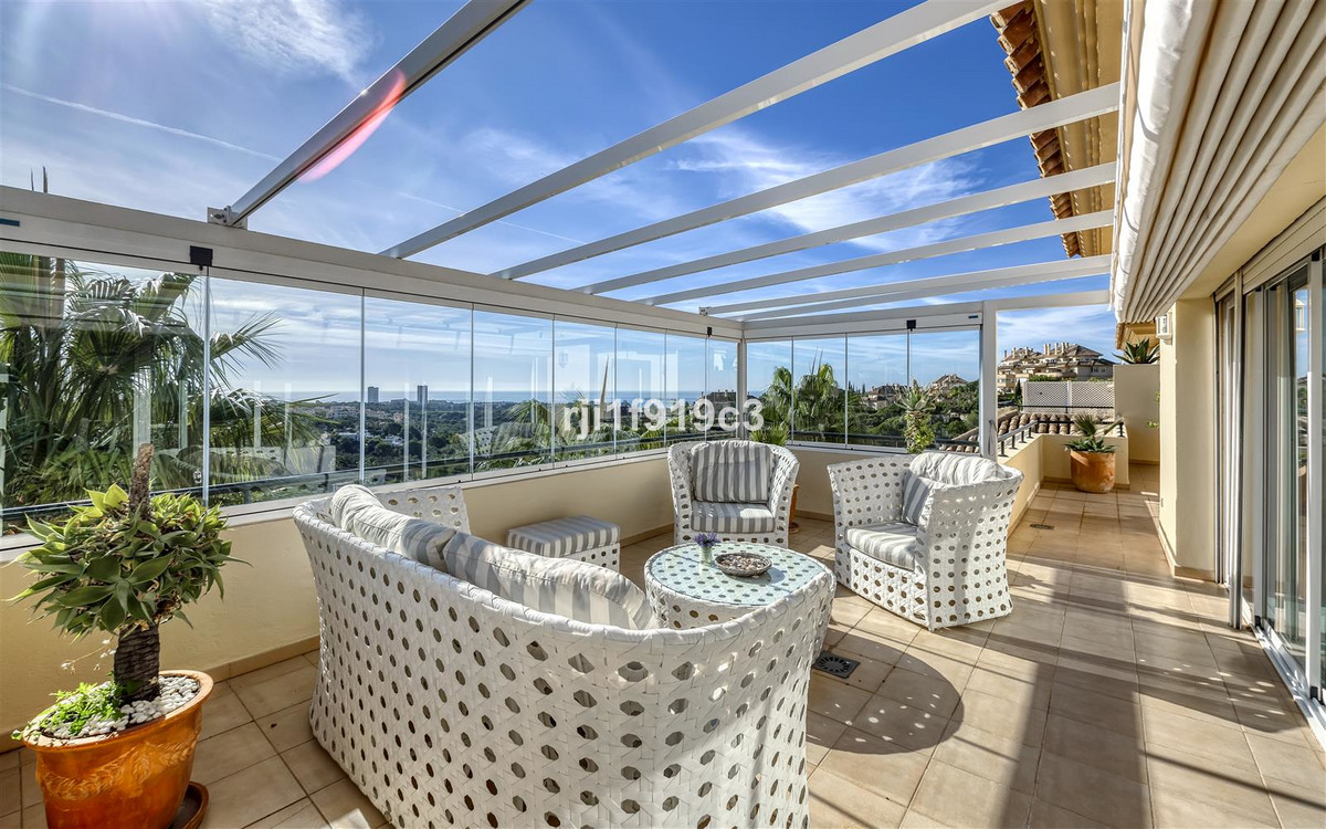 Apartment in Elviria R3437179 2 Thumbnail