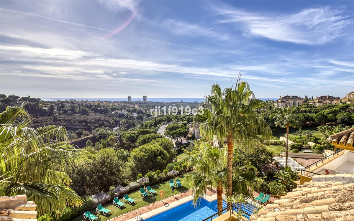 Apartment in Elviria R3437179 8 Thumbnail