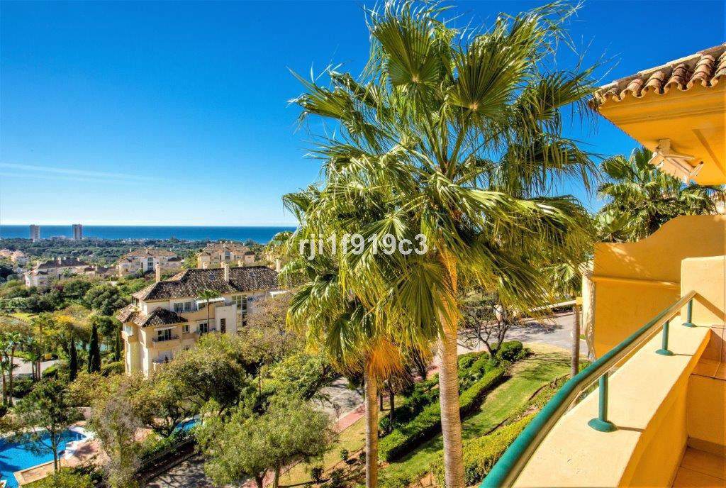 Ideally located in a sought after area, the housing development of Elviria Hills is within 2 minutes,Spain