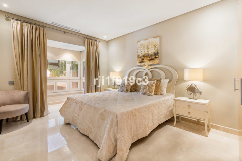 Floor Apartment for sale Media, Sierra Blanca - R3397579