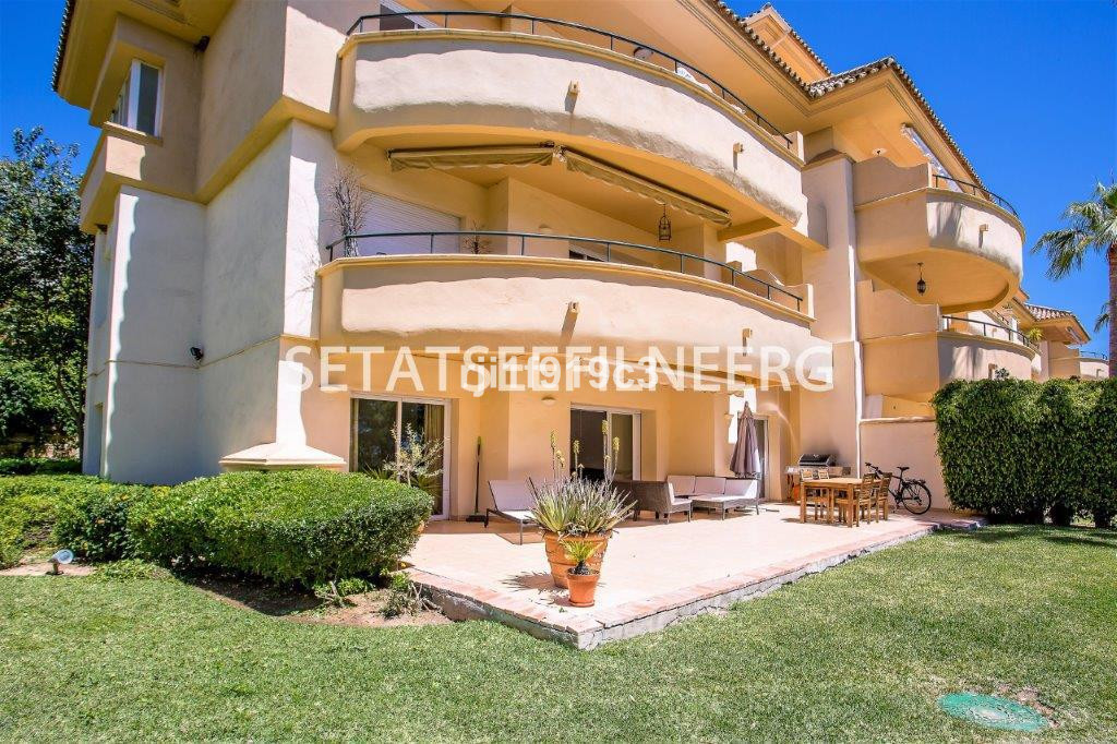 South facing corner & frontline golf apartment in Elviria Hills with an ample terrace and garden,Spain
